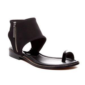 Donald J. Pliner Lily Flat Black Sandal Sz 9